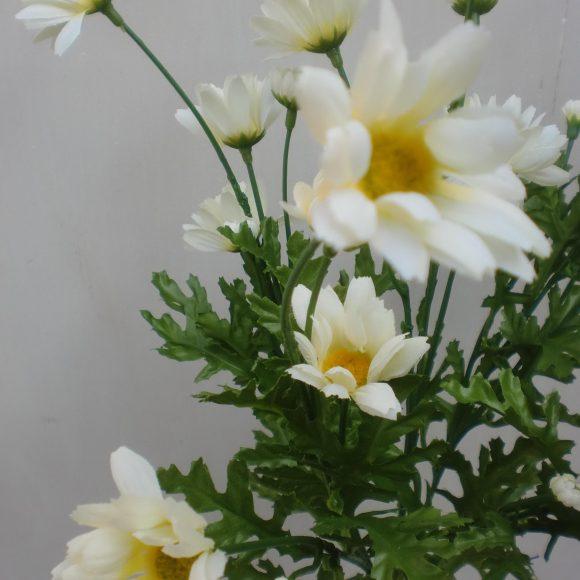 Fiore artificiale margherita bianca in tessuto fiori fiori for Margherita pianta