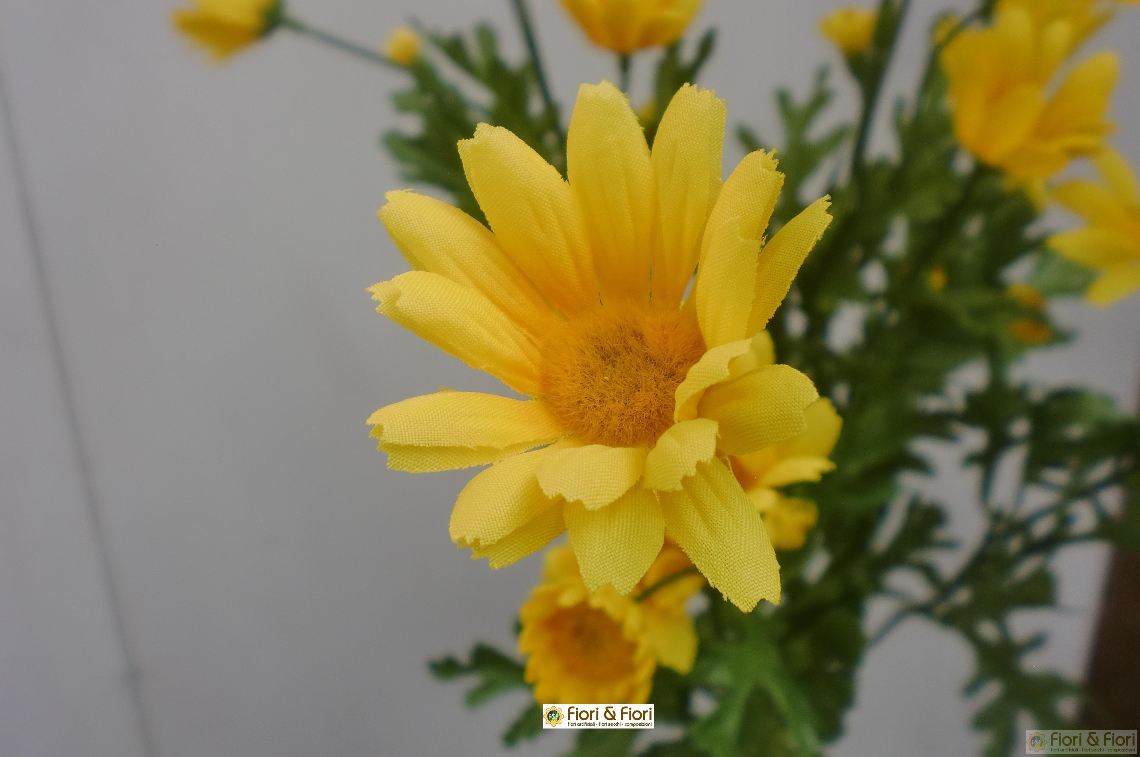 Fiore artificiale margherita gialla for Margherita pianta