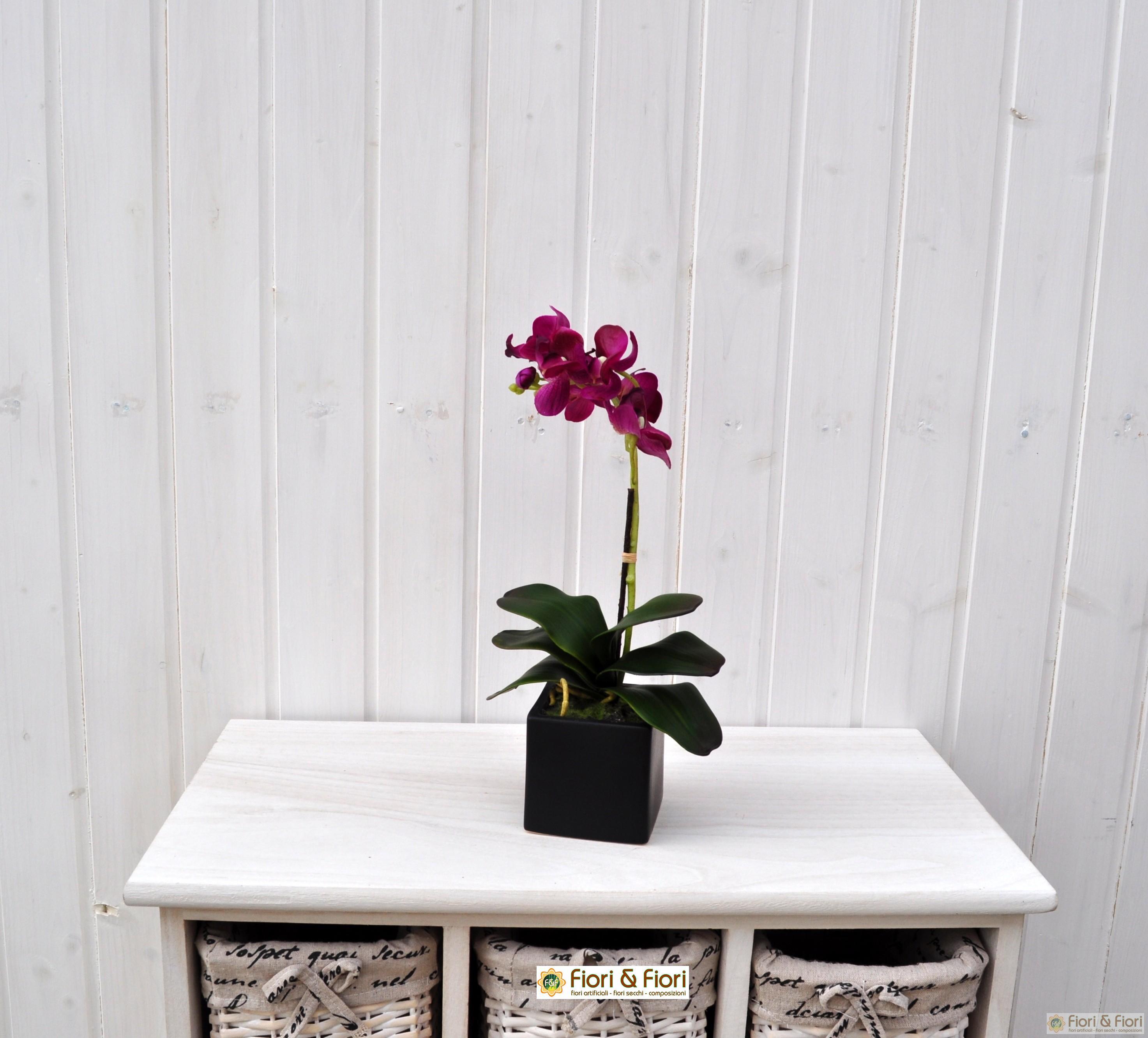Pianta artificiale di phalaenopsis
