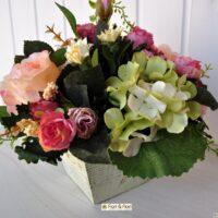 Composizioni con fiori finti