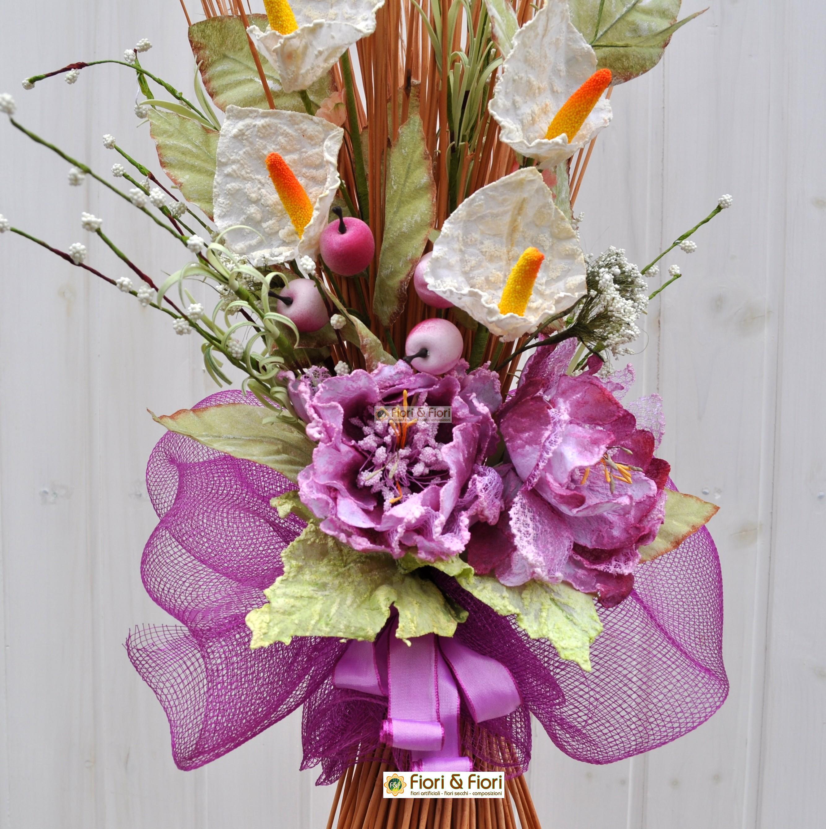 Decorazione fiori artificiali col t fucsia in vimini naturale - Decorazioni fiori finti ...